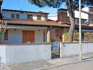 Foto 1 di Villetta a schiera viale Portorico 30, frazione Lido Delle Nazioni, Comacchio