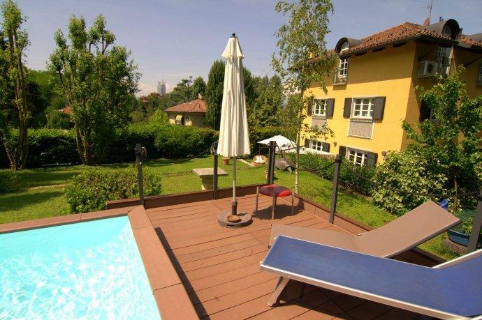 Foto 2 di Villa strada Guido Volante  19, Torino (zona Precollina, Collina)