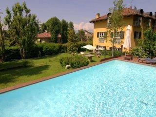 Foto 1 di Villa strada Guido Volante  19, Torino (zona Precollina, Collina)