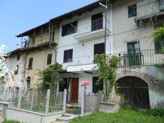 Foto 1 di Villa a Schiera via broglia, 29, Mombello Di Torino