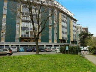 Foto 1 di Trilocale via Papa Giovanni XXIII 36, Torino (zona Valentino, Italia 61, Nizza Millefonti)