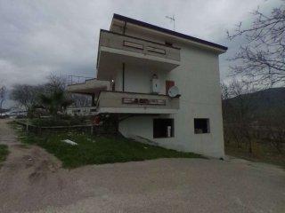 Foto 1 di Quadrilocale via Migliano, Lauro