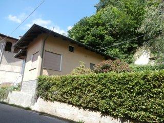 Foto 1 di Casa indipendente Frazione Foglia 5, Vallanzengo
