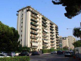 Foto 1 di Appartamento viale Galileo Galilei, Palermo