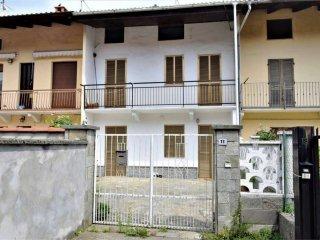 Foto 1 di Appartamento via Crescentino, 11, Vische