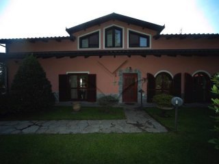 Foto 1 di Villa via Frassati, San Pietro Val Lemina