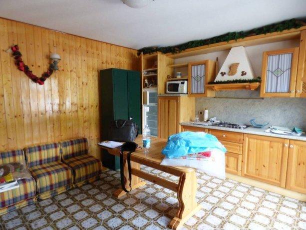 Limonetto, appartamento per vacanze su due livelli via Provinciale 82