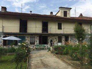 Foto 1 di Rustico / Casale via Umberto I, Trofarello