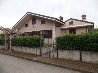 Foto 1 di Villa via Belvedere 1, Lombriasco