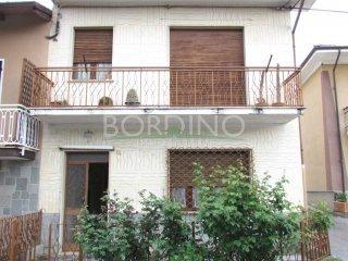 Foto 1 di Casa indipendente via Bertolussi snc, frazione San Giuseppe, Sommariva Perno