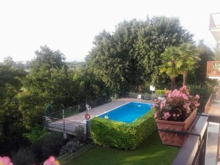 Foto 1 di Trilocale Castelnuovo Del Garda
