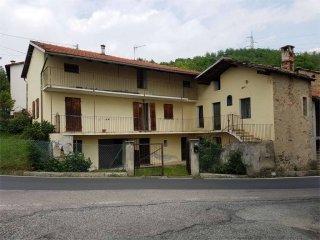 Foto 1 di Rustico / Casale Borgata combravino, Valgioie