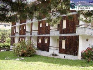 Foto 1 di Bilocale via Chateau 33, frazione Beaulard, Oulx