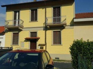 Foto 1 di Palazzo / Stabile via Flavio Testi 19, Torino (zona Precollina, Collina)