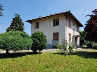 Foto 1 di Villa via Giovanni Piumati 127, Bra