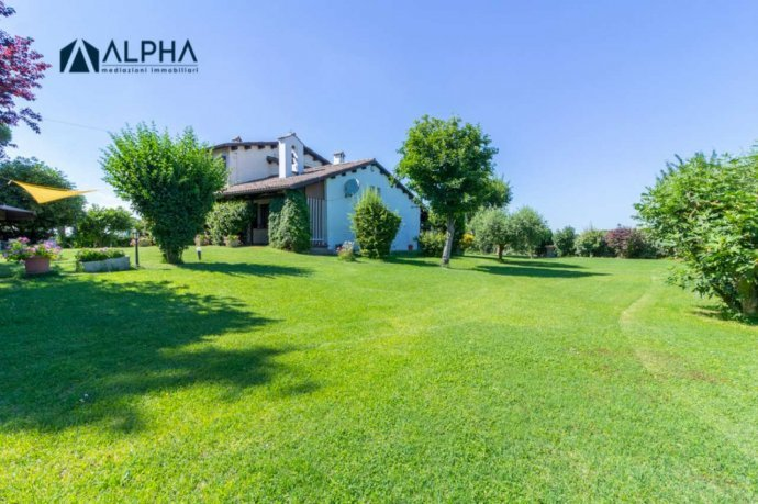 Foto 2 di Villa via Schiova SNC, frazione San Leonardo In Schiova, Forlì