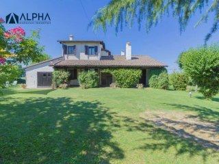 Foto 1 di Villa via Schiova SNC, frazione San Leonardo In Schiova, Forlì