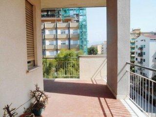 Foto 1 di Appartamento via Sardegna, Palermo