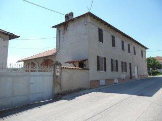 Foto 1 di Villa via Roma, Camino