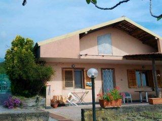 Foto 1 di Villa via Algerazzi Caselle, Zafferana Etnea