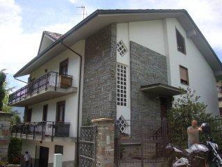 Foto 1 di Villa Frazione Porossan-Roppoz 17, Aosta