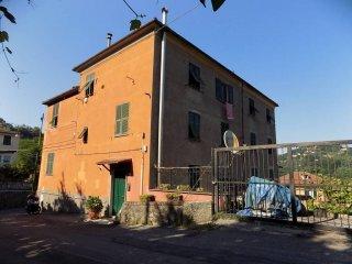 Foto 1 di Appartamento via Stazione San Quirico, Genova (zona Pontedecimo)