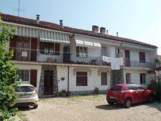 Foto 1 di Bilocale via Zappata, 34, Carignano