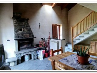 Foto 1 di Casa indipendente Localita' Isseuries, Chatillon