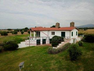 Foto 1 di Villa Località Quercette, Montalto Di Castro