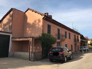 Foto 1 di Casa indipendente Via Roma 9, Mongardino