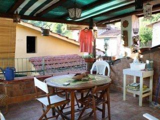 Foto 1 di Casa indipendente Borghetto Di Vara