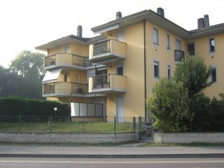 Foto 1 di Quadrilocale via Francesco Sforza, Lodi