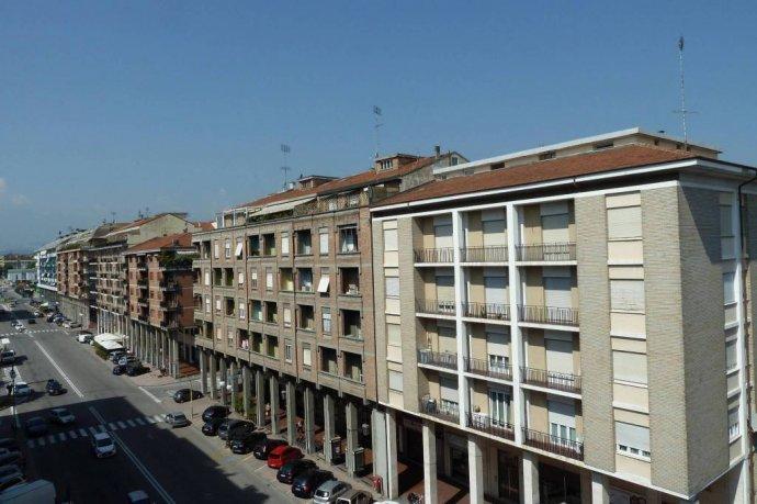 Foto 7 di Quadrilocale corso Nizza 71, Cuneo