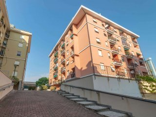 Foto 1 di Appartamento via lagustena, Genova (zona San Martino)