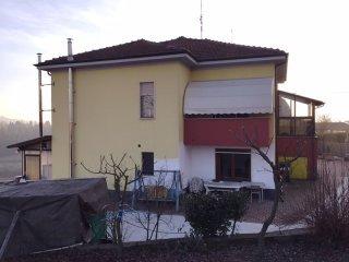 Foto 1 di Villa Frazione Revignano, Asti