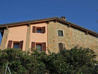 Foto 1 di Villa via Monte San Giovanni, frazione Monte San Giovanni, Monte San Pietro