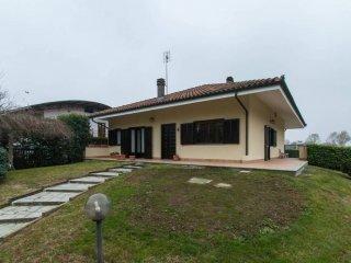 Foto 1 di Villa strada Braiassa 10, San Benigno Canavese