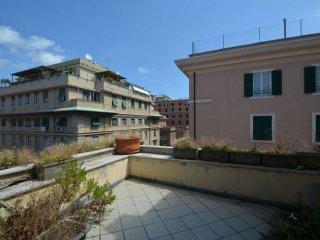 Foto 1 di Appartamento via assarotti, Genova (zona Centro città)
