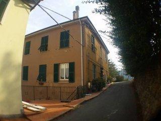 Foto 1 di Quadrilocale via Ronco, Quiliano