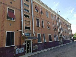 Foto 1 di Bilocale via Roma, Saronno