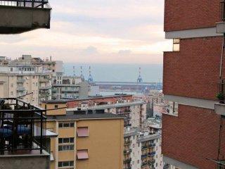 Foto 1 di Quadrilocale via Vesuvio, Genova (zona Oregina-Granarolo, Di Negro)