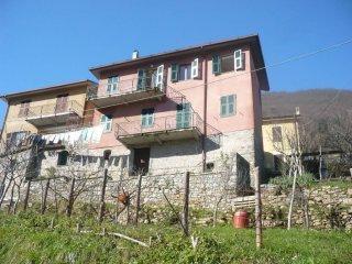 Foto 1 di Quadrilocale via 4 Novembre, frazione Porcale, Riccò Del Golfo Di Spezia