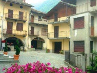Foto 1 di Casa indipendente Piazza San Giacomo 9, Sparone