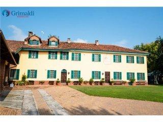 Foto 1 di Hotel / Ostello Frazione Mombarone, Asti
