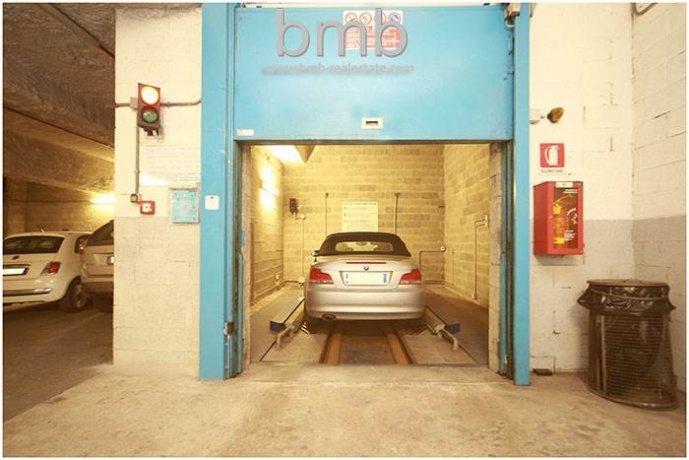 Foto 3 di Box / Garage Via Camillo Benso di Cavour 5, Torino