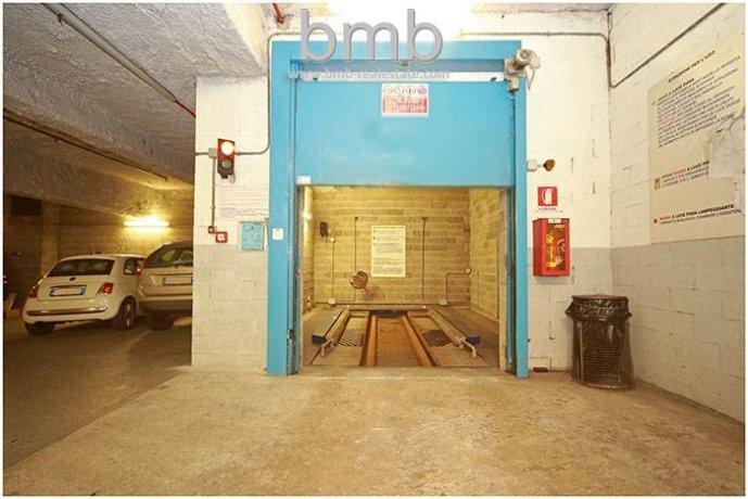 Foto 5 di Box / Garage Via Camillo Benso di Cavour 5, Torino
