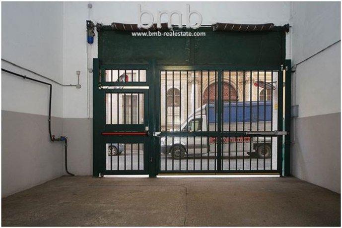 Foto 6 di Box / Garage Via Camillo Benso di Cavour 5, Torino
