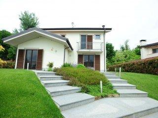 Foto 1 di Villa via Marconi 82, Caluso
