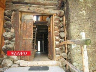 Foto 1 di Bilocale Chemin Tavola 3, frazione Antagnod, Ayas