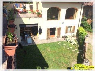 Foto 1 di Palazzo / Stabile strada Tetti Bragardo 12, Baldissero Torinese